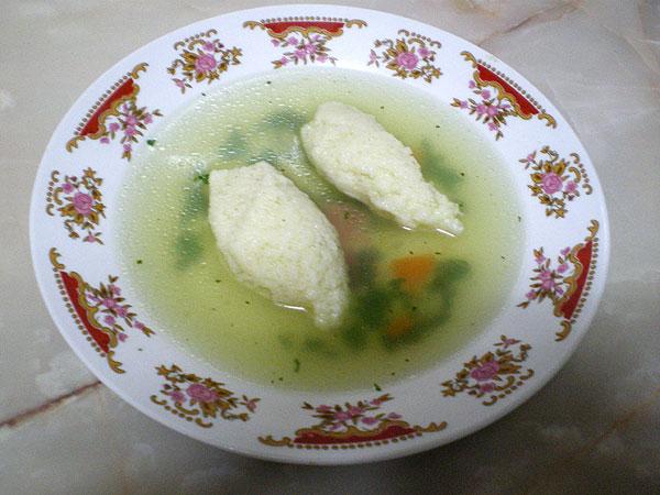 Supă cu găluşte de griş