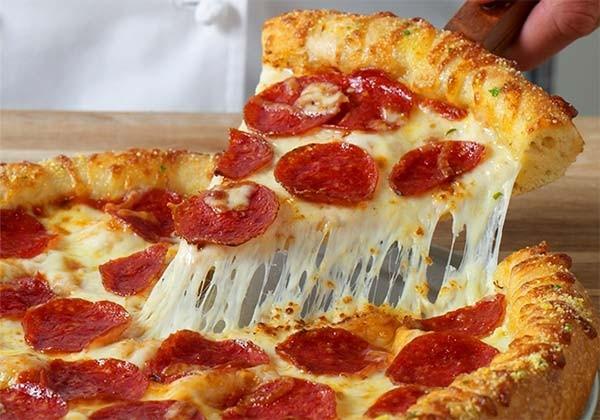 Pizza-cu-cascaval-6